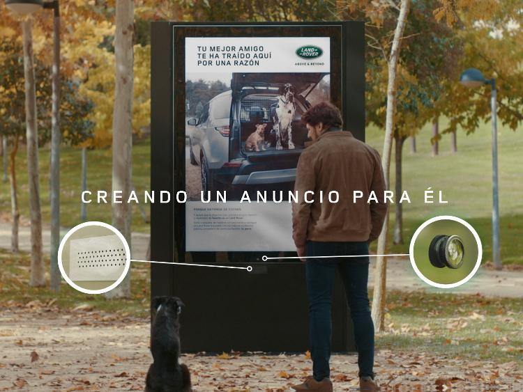 La campaña con la que Land Rover se dirige a los perros para conquistar a sus dueños